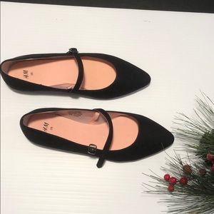 New HM flats with straps Black R14